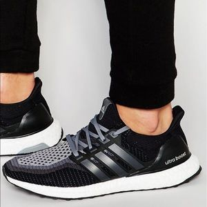 Men's Adidas Original Ultra Boost Shoes Size 10